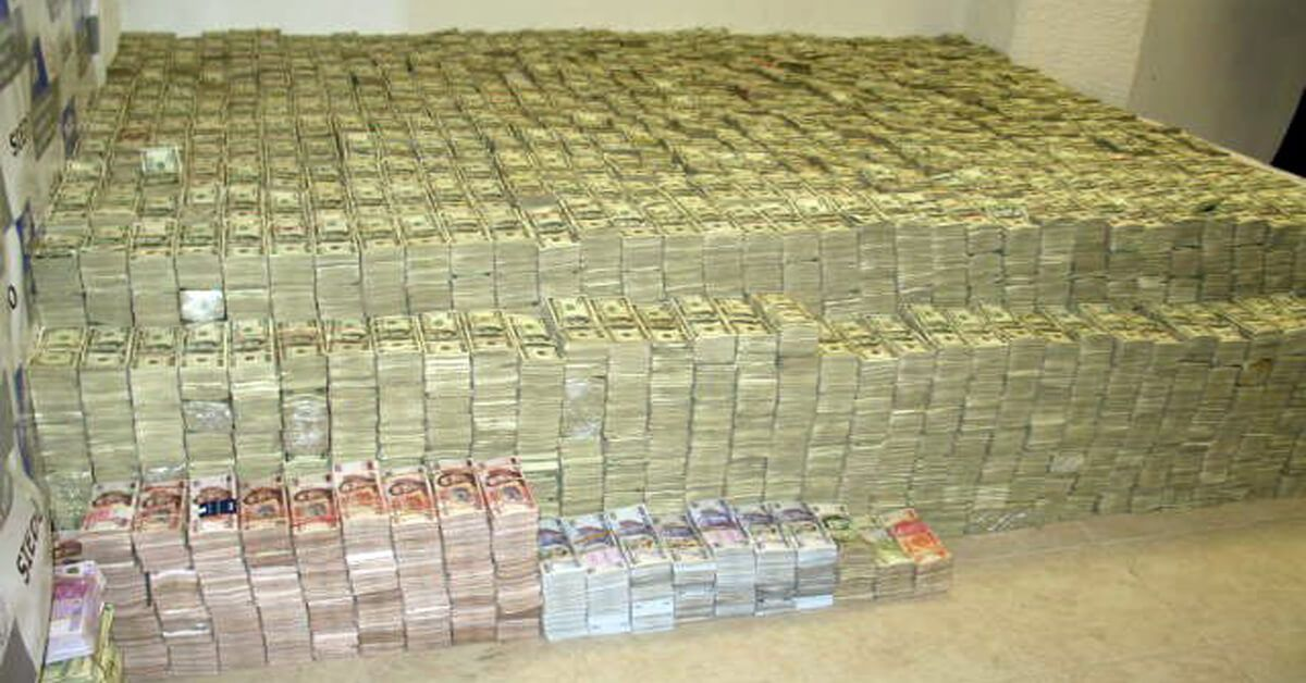 Can You Guess How Much Cash Is In This Stack Financebuzz