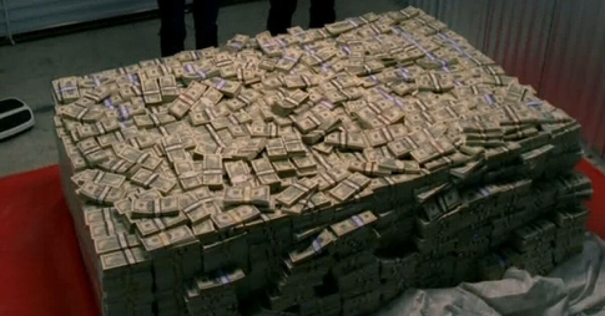 can you guess how much cash is in this stack