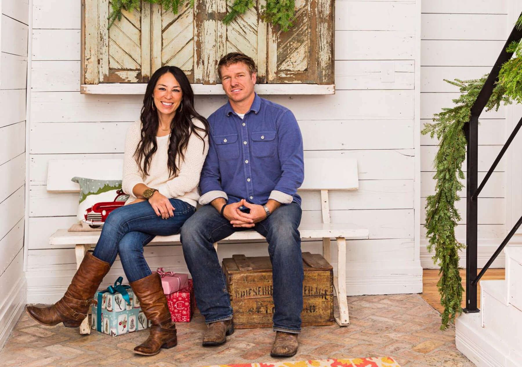 what is chip and joanna gaines 39 s from hgtv fixer upper net worth financebuzz. Black Bedroom Furniture Sets. Home Design Ideas